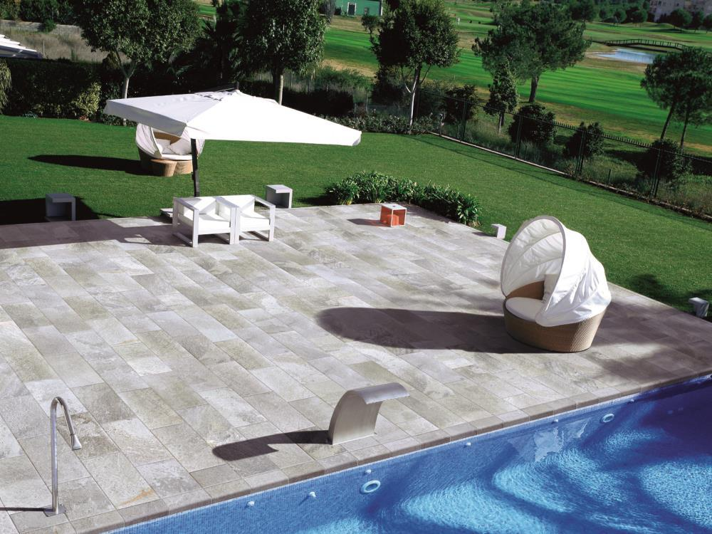 Carrelage ext rieurs tour de piscine alain vera carrelage for Carrelage piscine exterieure